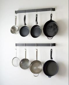 Customer Image Gallery for Calphalon 32-Inch Straight Wall Pot Rack with 4 Heavy-Duty Single Hooks