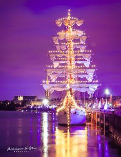 The Cuauhtemoc boat in Bordeaux for the event «La fête du Fleuve».
