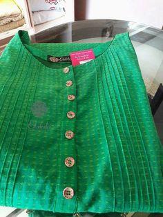 Chudidhar Neck Designs, Neckline Designs, Dress Neck Designs, Kurta Designs Women, Salwar Designs, Kurta Patterns, Kurta Style, Kurta Neck Design, Blouse Designs Silk