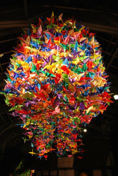 Lamp of origami cranes - 2012 Garden Fest of Lights... I want this for our new home, in white. Come on students of mine, let's give it a go!