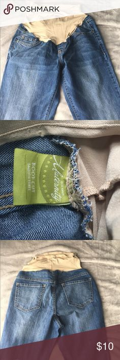 Old navy boot cut maternity jeans Old navy smooth panel boot cut maternity jeans. Size 6.  Great condition. Old Navy Jeans
