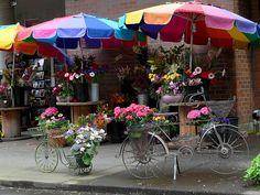 """""""The Flower Lady"""" on Eastlake, in Seattle"""
