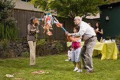 La historia y el significado de la piñata | Mes de la Hispanidad - Yahoo Noticias