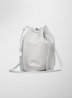 MINIMAL + CLASSIC: figtny.com | Aritzia Auxiliary Salt&Pepper Bucket bag