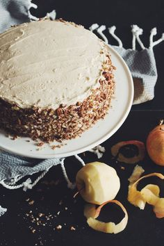 vegan apple spice cake with maple buttercream frosting RECIPE by hot for food Maple Buttercream Frosting Recipe, Frosting Recipes, Cupcake Recipes, Butter Frosting, Apple Spice Cake, Vegan Apple Cake, Gateaux Vegan, Vegan Birthday Cake, Vegan Thanksgiving