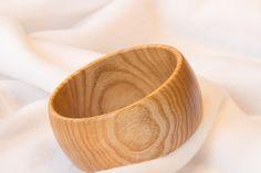 Armreife - Armreif aus Holz, Esche, gedrechselt, Unikat - ein Designerstück von PlayandFun4Kids bei DaWanda