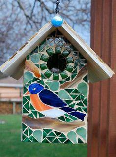 IDea casa pajaro con mosaico (sólo foto)