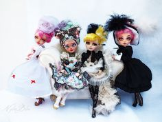 The fab 4 - Ever after high repainted by : Keberteka (left and center) and ooaKBcréations (center and left) Photographie Nylonbleu