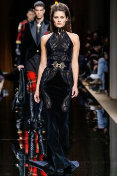 Along with showing Balmain's fall 2016 mens looks at Paris Fashion Week, Olivier Rousteing tapped top females including Alessandra Ambrosio… Fashion Week, Runway Fashion, Fashion Show, Fashion Outfits, Paris Fashion, Isabeli Fontana, Lucky Blue Smith, Beautiful Evening Gowns, Costume