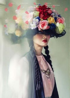 beautiful photography of women and flowers - VOGUE ITALIA. The actual face is hidden and the picture is destructed. they've photo shopped the imagine. Foto Fashion, Fashion Art, Editorial Fashion, Fashion Beauty, Floral Fashion, Trendy Fashion, High Fashion, Kreative Portraits, Moda Floral
