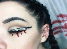Knife eyeliner                                                                                                                                                                                 More