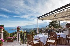 Top 10 Romantic Restaurants in #Taormina #Sicily