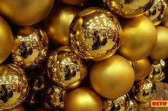 Si estás decorando tu #escaparate de #Navidad, puedes participar en nuestro #concurso, o puedes seguir descubriendo más estilos de #decoración de Navidad de este año.