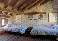 Vicky's Home: An old farmhouse restored / An old restored farmhouse Guest House Plans, Small House Plans, Stone Cabin, Restored Farmhouse, Shabby Chic Bedrooms, Stone Houses, Rustic Interiors, My Dream Home, Home Fashion