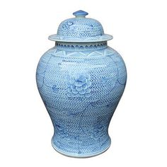 """Blue and White Chain Chinese Temple Jar. and was a franchise owner from She holds a B. in Interior Design from. Hand painted ceramic jar in the Chinese motif. Once in """"blue moon"""" our inventory will not match up to the exact inventory. La Cornue, Blue And White Vase, White Vases, Pink Blue, Cobalt Blue, Ceramic Jars, Ginger Jars, Luxury Home Decor, Hand Painted Ceramics"""