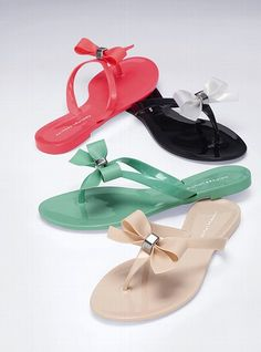 Dreaming of a PINK Summer - pretty feet flip flops (in black)