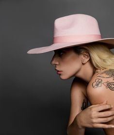 lady-gaga-photoshoot-for-harper-s-bazaar-2016-10.jpg (1280×1524)