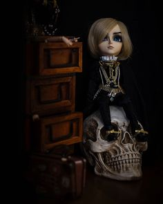 "Pohjoistuuli ☁️ on Instagram: ""— Master of the manor ⚰️ #taeyang #taeyangalbireo #doll #taeyangdoll #albireo #dollphotography #photography  Olen elellyt vähän hiljaiseloa…"" Doll, Photography, Instagram, Style, Fashion, Swag, Moda, Dolls, Photograph"