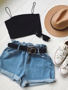 Crops and denim shorts are the best summer outfit - Kleidung für Frauen Adrette Outfits, Cute Casual Outfits, Summer Fashion Outfits, Stylish Outfits, Cute Summer Outfits For Teens, Date Outfit Casual, Summer Fashion For Teens, Basic Outfits, Summer Ideas