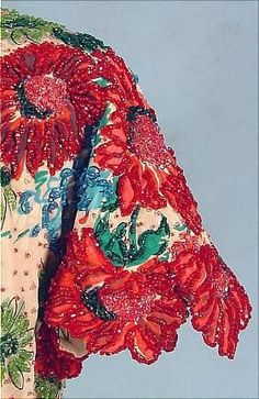 Another one from the embroidery detail lover. (attributed to) BALENCIAGA. Tambour Embroidery, Couture Embroidery, Embroidery Fashion, Embroidery Hoop Art, Hand Embroidery Designs, Ribbon Embroidery, Floral Embroidery, Embroidery Stitches, Embroidery Patterns