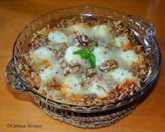 Con tomate frito, huevos cocidos, nueces picadas, queso rallado y mantequilla, cocina un plato de 10 en pocos minutos.