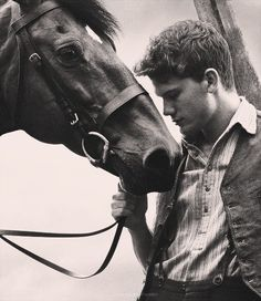 I can't resist any picture with a horse in it. <3