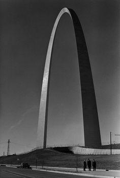 The St. Louis Arch designed by Eero Saarinen