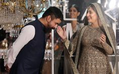 MY JOB IS TO ACT, NOT TO LOOK PRETTY 24/7: KAREENA KAPOOR KHAN Kareena Kapoor with designer Sabyasachi Mukherjee (l) during the grand finale show of Lakmé Fashion Week (LFW) Winter/Festive 2016 in Mumbai, Aug. 28. (Santosh Hirlekar/PTI)    Kareena Kapoor Khan says she would prefer to focus on her acting and choice of roles instead of putting all her energy into looking good whenever http://siliconeer.com/current/my-job-is-to-act-not-to-look-pretty-247-kareena-kapoor-khan/