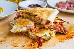 BBQ Ham, Bacon and Pineapple Quesadillas (aka BBQ Hawaiian Pizza Quesadillas). Make WW friendly with fat free tortillas. Think Food, I Love Food, Good Food, Yummy Food, Tasty Snacks, Yummy Eats, Delicious Recipes, Pork Recipes, Mexican Food Recipes