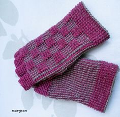 to women... fingerless