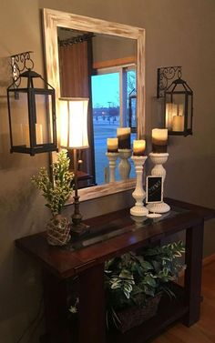 Best Small Entryway Decor & Design Ideas To Upgrade Space 2019 Looking for small entryway decor? Take a look at these stunning entryway decor ideas that will upgrade your space. Hallway Decorating, Interior Decorating, Living Room Decorating Ideas, Rustic Entryway, Entryway Ideas, Entryway Table Decorations, Small Entryway Decor, Home Entrance Decor, Entryway Furniture