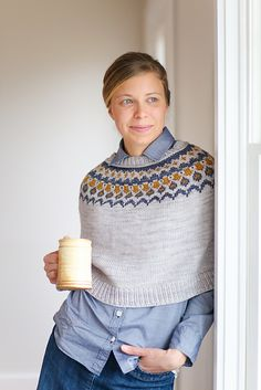 Boden is a stylish poncho pattern that features either 3 or 5 colorwork design around the yoke. Boden is a stylish poncho pattern that features either 3 or 5 colorwork design around the yoke. Crochet Shirt, Crochet Poncho, Knitted Shawls, Crochet Vests, Crochet Edgings, Crochet Motif, Poncho Knitting Patterns, Knit Patterns, Fair Isle Knitting