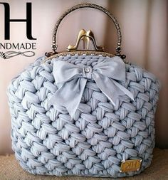 Crochet basket bag sewing patterns 23 ideas for 2019 Mode Crochet, Crochet Lace, Crochet Handbags, Crochet Purses, Bag Patterns To Sew, Sewing Patterns, Knitting Patterns, Bag Sewing, Crochet Slippers