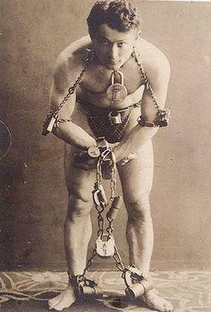 Harry Houdini ... settin records n stuff