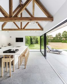 Like the roof beams that still show with the lighting fitted underneath them Obumex Style At Home, Interior Architecture, Interior Design, Interior Modern, House Extensions, Pool Houses, Home Fashion, My Dream Home, House Plans