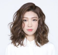 35 Perm Hairstyles: Stunning Perm Looks - Peinado de trenza