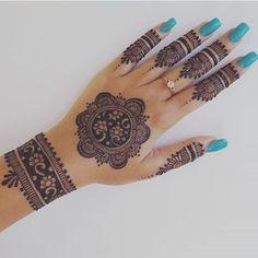 Easy Henna Design for Your Hands – Henna Tattoos Mehendi Mehndi Design Ideas and Tips Henna Hand Designs, Circle Mehndi Designs, Pretty Henna Designs, Mehndi Designs Finger, Mehndi Designs For Girls, Bridal Henna Designs, Mehndi Design Photos, Mehndi Designs For Fingers, Mehndi Art Designs