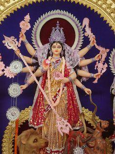 Durga idol 2011 Burdwan Good Morning Clips, Good Morning Gif, Hindu Festivals, Indian Festivals, Durga Maa, Durga Goddess, Festival Quotes, Mata Rani, Digital Art Fantasy