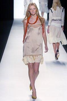 Chloé Spring 2005 Ready-to-Wear Collection Photos - Vogue