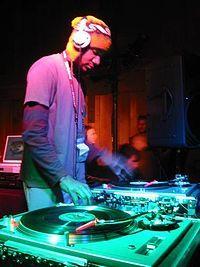Disc jockey - Wikipedia