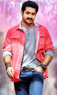 The angry young star of tollywood industry Taraka Rama Rao aka Jr.NTR is the mass entertainer. He is Tollywood film actor, playback singer and also accomplished Kuchipudi dancer. New Movie Images, New Images Hd, New Photos Hd, Ram Photos, Love Photos, New Photo Style, Telugu Hero, South Hero, Actors Images