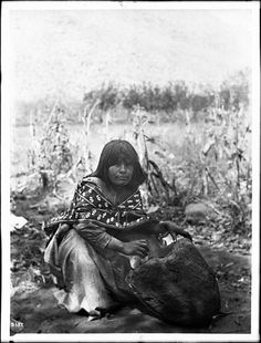 File:Walapai Indian woman grinding corn for bread, Hackbury, Arizona, ca.1900