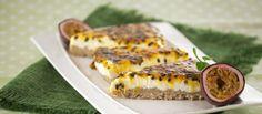 Para comer e partilhar com os amigos :) Cheesecake de maracujá e aveia