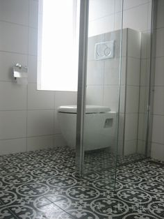 Cementtiles bathroom - negra 29 - Project van Designtegels.nl