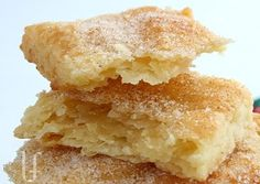 PIE CRUST COOKIES 4 cups flour 2 teaspoons salt 1 tablespoon sugar 1 cups shortening, in chunks cup water 1 egg tablespoon white vinegar Brownie Desserts, Just Desserts, Delicious Desserts, Yummy Food, Pie Crust Cookies, Cookies Et Biscuits, Yummy Cookies, Yummy Treats, Sweet Treats