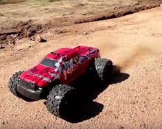 Hyp-R-Baja Big Bruiser can reach up to 40 km/h with precise handling