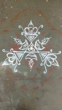Rangoli Patterns, Rangoli Ideas, Rangoli Designs Diwali, Rangoli Designs Images, Beautiful Rangoli Designs, Diya Rangoli, Indian Rangoli, Flower Rangoli, Rangoli Simple