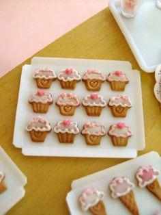 Tiny cupcake cookies dollhouse miniatures