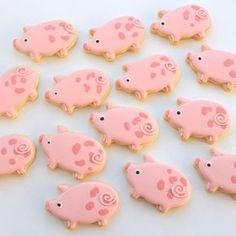 Pig #cookies by Miss Biscuit!! #oink #royalicing