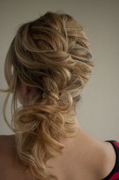 Twist and pin side pony from Hair Romance.